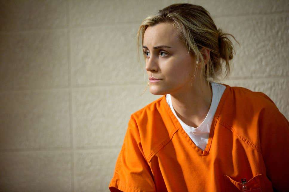 Is Piper from orange is the new black a lesbian